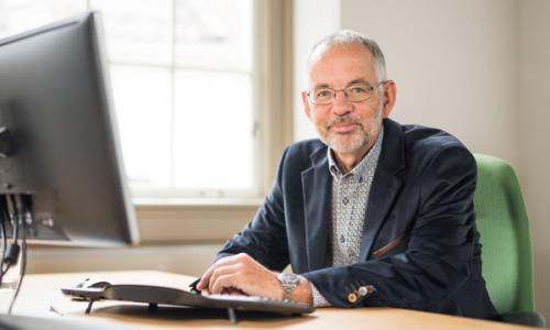Dr. Gilbert Houtekamer